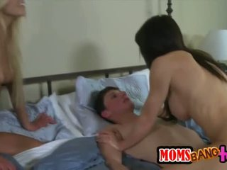 Sext Carmen and Jenna wants a huge cock