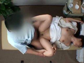 Mosaic; reluctant moglie seduced da masseur