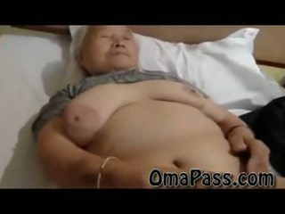 Velmi starý tuk japanes babičky zkurvenej tak těžký s jeden člověk video