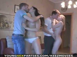 Młody seks parties - wiek dojrzewania pieprzyć w pairs i więcej