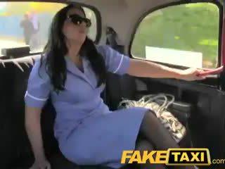 Faketaxi nerātnas medmāsa uz cab confession