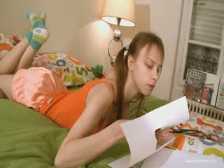 Schattig vriendin doing gemeen homework