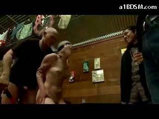 فتاة disgraced في جمهور tied arms getting معصوب العينين مارس الجنس الثدي rubbed بوضعه إلى فم في ال restaurant