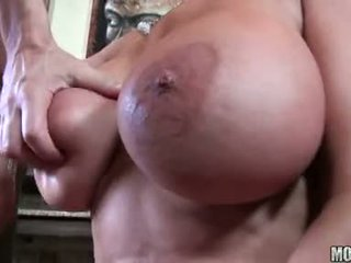 Knob Paramour Sharon Pink Deliciously Fills Her Mouth With A Massive Errect Dick