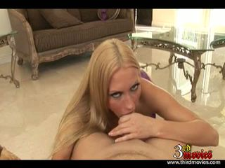 Breasty blond cassie ung eagerly takes en största pole i och ut henne warm mun