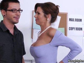 Learning nuo jo krūtinga bosas