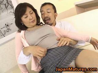 Zralý asijské holky sání kohout
