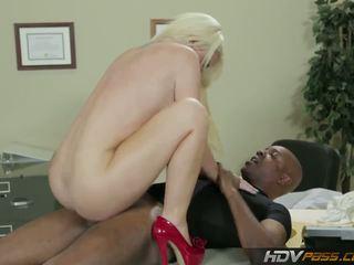 lebih blondes, berkualiti buah dada besar semak, cuckold terbaik