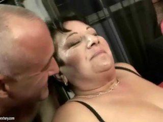 Gemuk nenek enjoys teruk keras seks