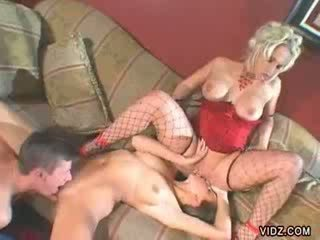 Nikki Hunter teaches Kelly Kline to ride meat