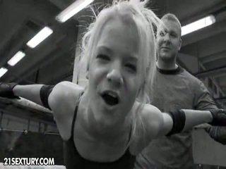Nudefightclub darila gitta blond vs. bianka lovely