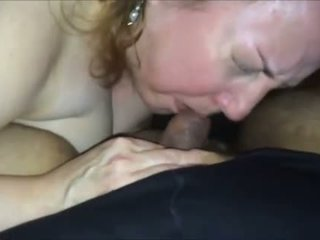 Excitat milf sugand o younger pula