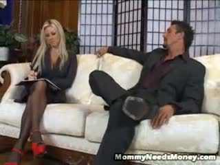 Carolyn Reese Wishes Some Alpha Male P...