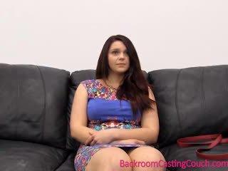 Seksuaalne psychology 101 - osade andmine diivan lesson koos painal