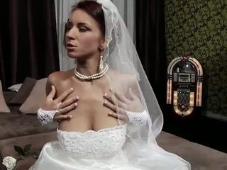 online young, see old scene, bride
