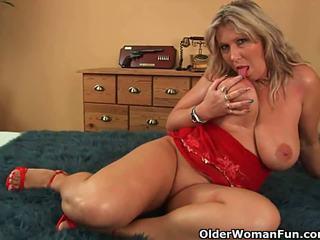 Mom's big mature tits get a cum glazing