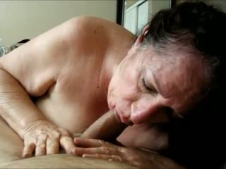 Brunette grandma knows how to suck