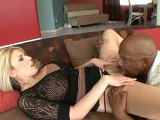Slutty blondin ciera sage feels den massiv kuk whacking henne snatch wild