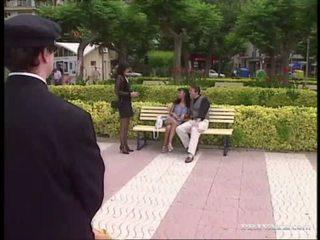 brunette video-, groepsex, echt dubbele penetratie scène