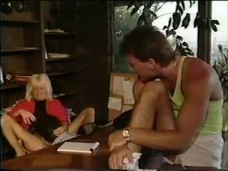 Sharon Kane Bj 4: Free Vintage Porn Video 44