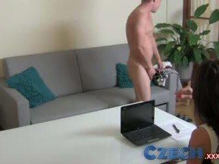 चेक सेक्स भूखा मिल्फ exploits शाइ स्टड में कॅस्टिंग