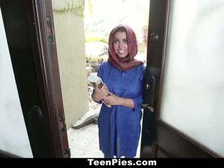 Teenpies - muslim বালিকা praises ah-laong বাইকের আসন
