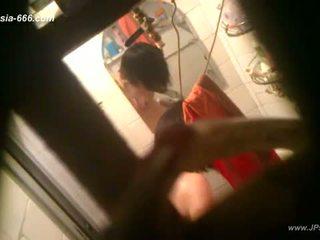 Peeping คนจีน สาว bath