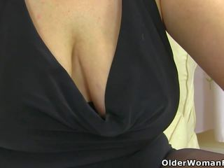 vol matures, echt milfs film, older woman fun klem