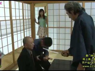 Japansk stor kone kåt gangbang 8