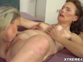 ideal pussy licking movie, most licking vid, lesbians