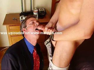 Amateur Guy Sucks Off Guy In Suit