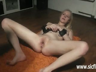 Teen slut wants to be fisted in her tight cunt