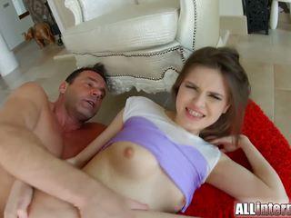 Allinternal cutie shows larg të saj anale derdhje