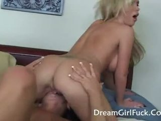 Hot Lesbians Licking Pussy And Fucked Using S