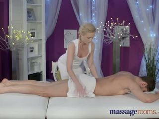 Massage Rooms Horny blonde gives her big cock client an expert hand job - Porn Video 761