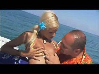vol blondjes film, online boot film, babes gepost