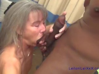 beste petite thumbnail, lang haar, echt interraciale
