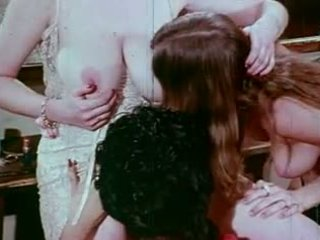 Vintage Bizarre: Free Hairy Porn Video 24