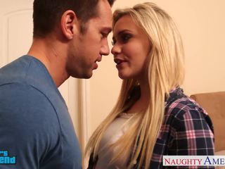 Blondi vauva mia malkova gets facialized