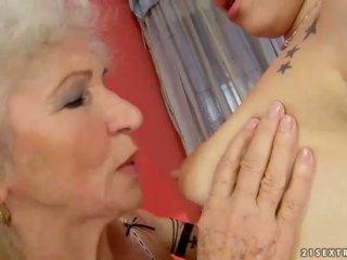 Бабичка и тийн създаване любов