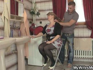 grootmoeder actie, oma, oud jonge neuken