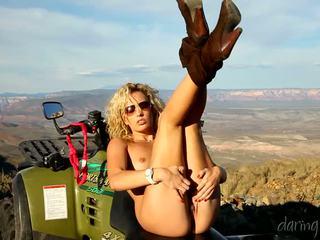 Kiara diane goes в the mountain і masturbates на її 4x4