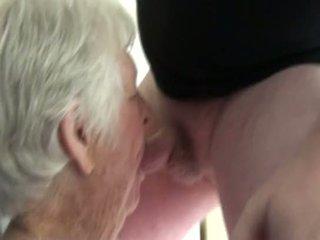 een oma, meest verrassing actie, zien 2on1
