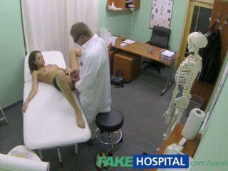 grote borsten porno, natuurlijke tieten, groot patiënt scène