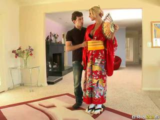 Blonde geisha breaking with customs