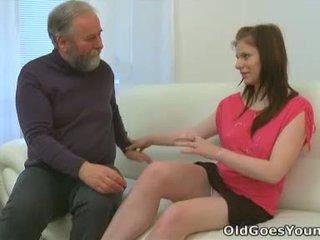 Maria lets an vecchio guy cazzo suo e poi gets suo boyfriend a aderire in con il azione