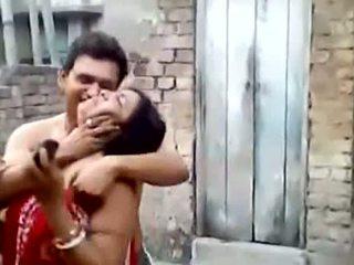 Bengali Slut Aunty Kissing Outdoors
