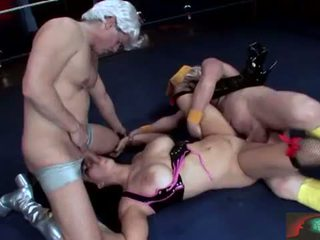 Chyna wrestler takes то анално пълен сцена 2