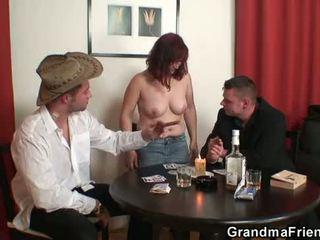 Babičky double penetration po card hra