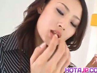 Risa murakami দুধাল মহিলা sucks এবং licks tool